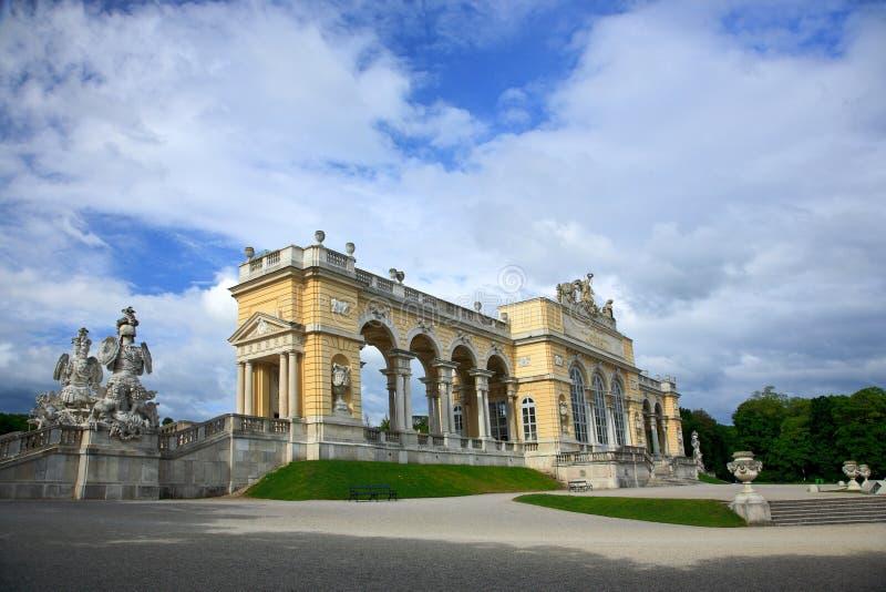 Jardín del palacio de Schonbrunn, Viena imágenes de archivo libres de regalías