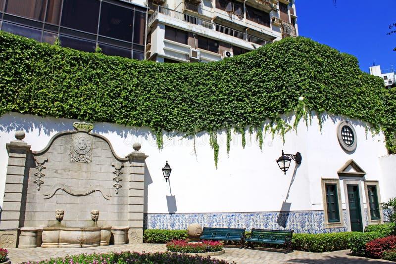 Jardín en los asuntos cívicos y municipales oficina, Macao, China fotos de archivo libres de regalías