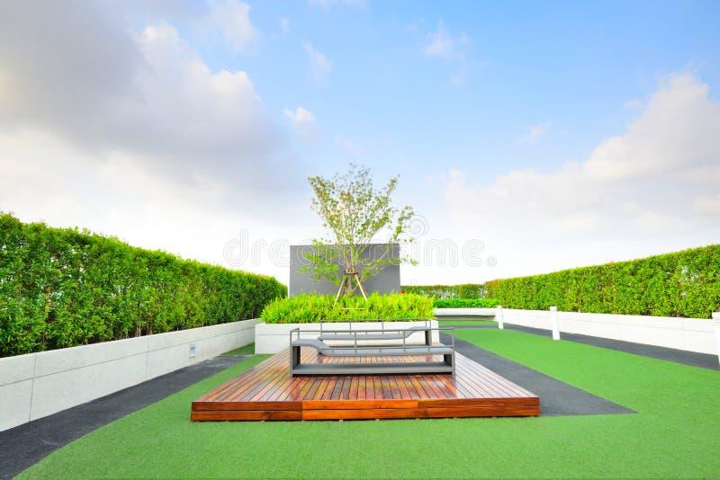 Jardín en tejado imagenes de archivo