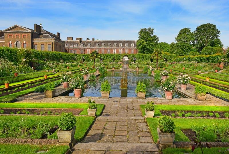 Jardín hundido, palacio de Kensington, Londres fotos de archivo libres de regalías