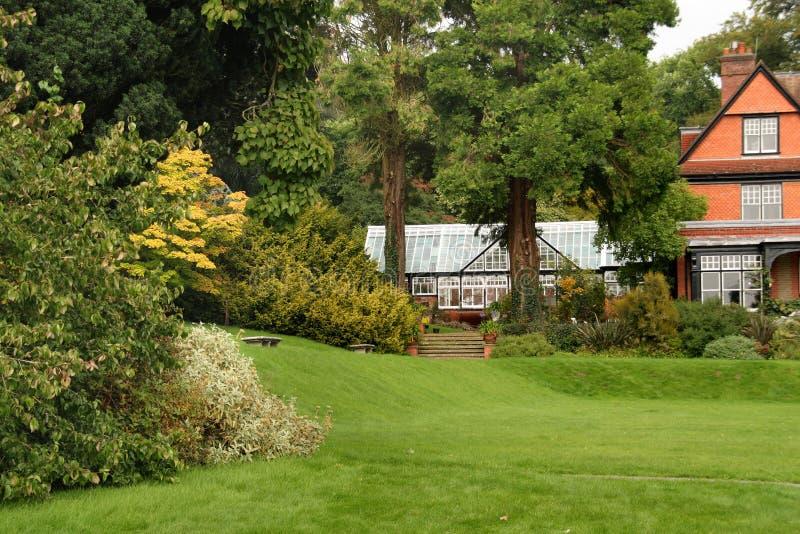 Jardín inglés del país fotos de archivo
