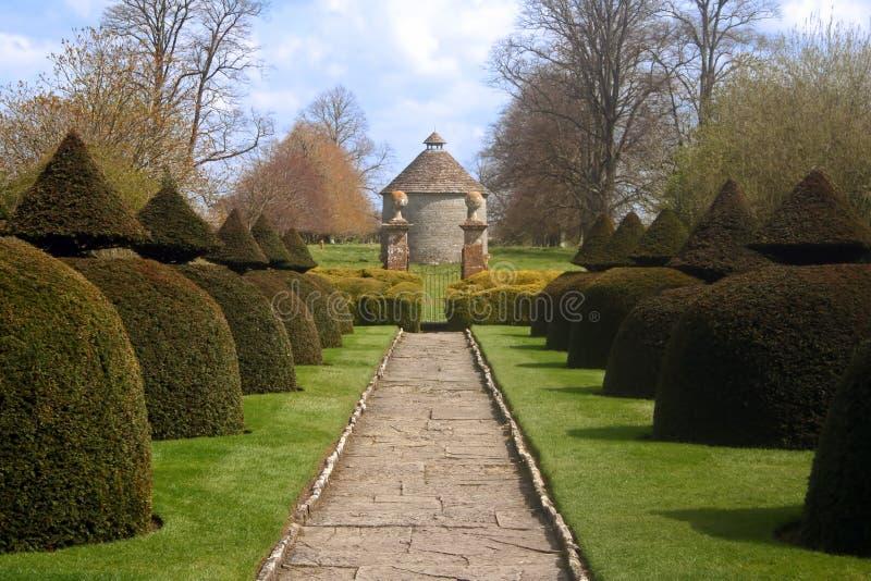 Jardín inglés formal imagenes de archivo