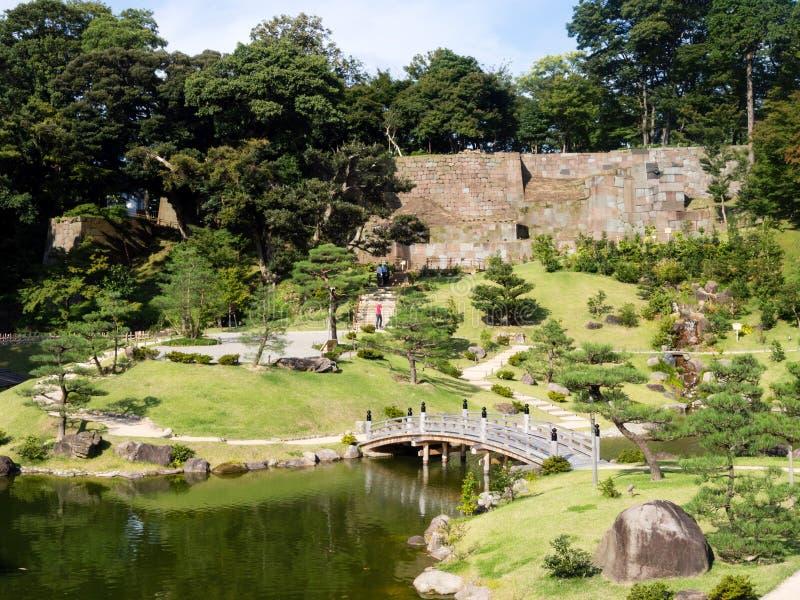 Jardín japonés tradicional del paisaje sobre la base del castillo de Kanazawa imágenes de archivo libres de regalías
