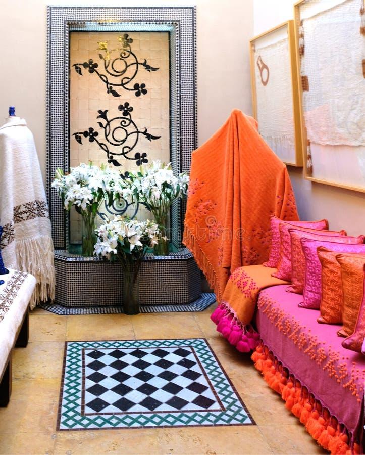 Jard?n Marracesh Marruecos de Majorelle: tienda del boutique en el museo de Yves Saint Laurent imagen de archivo libre de regalías
