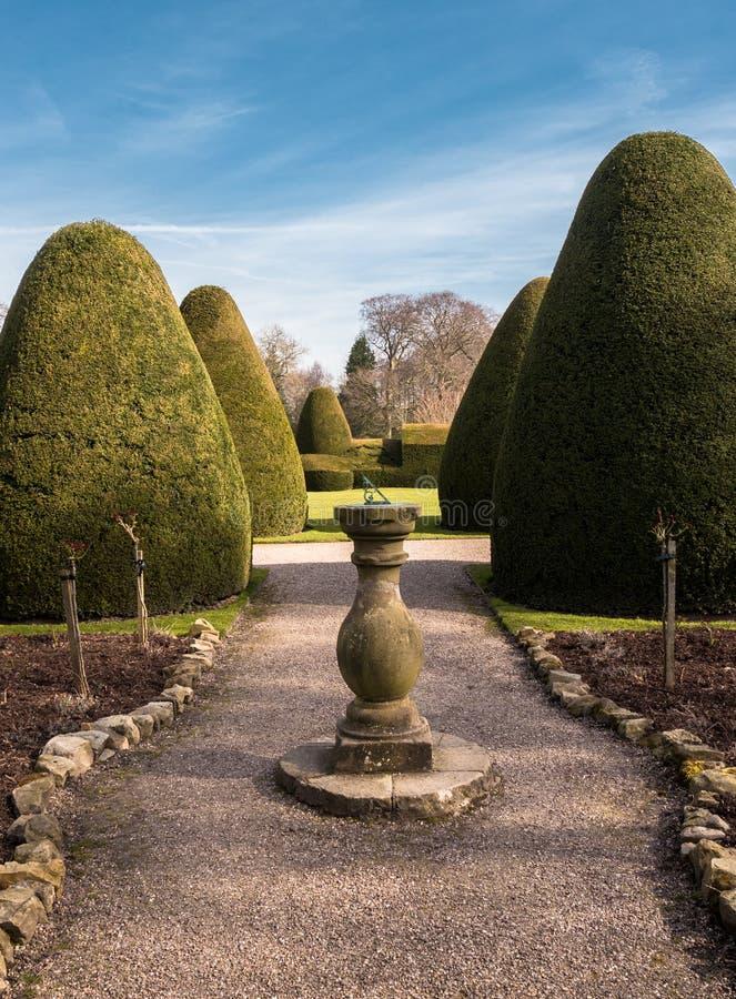 Jardín ornamental del castillo fotos de archivo libres de regalías