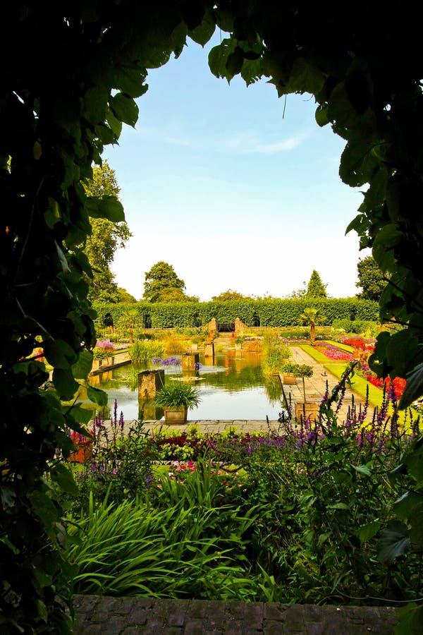 Jardín secreto fotos de archivo