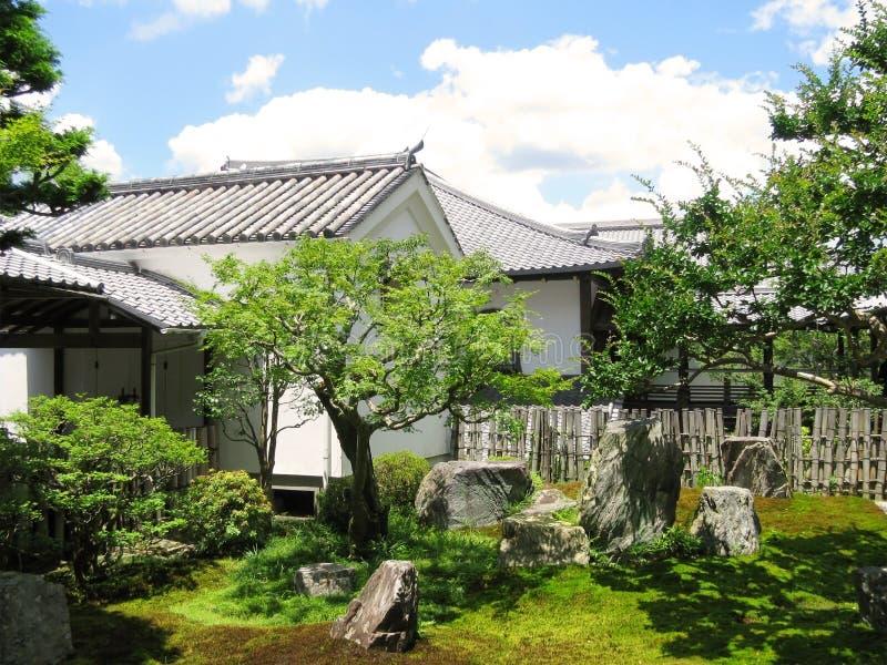 Jardín tradicional del zen del templo de Nanzenji imagenes de archivo