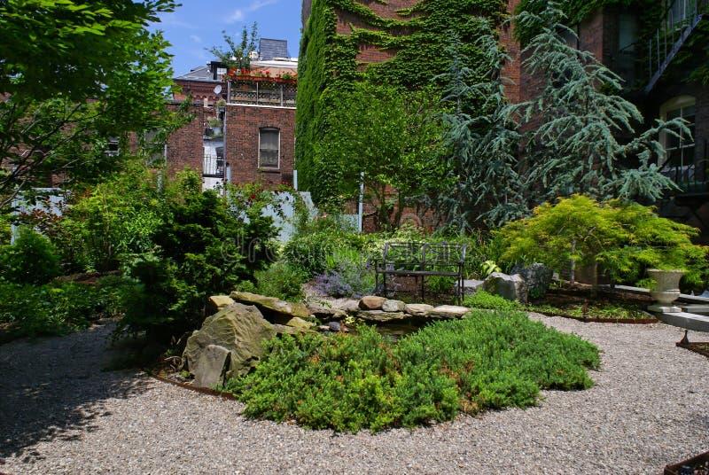 Jardín urbano fotos de archivo