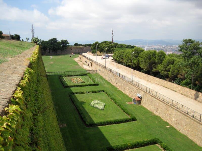 Jardín viejo de un castillo español españa Fondo precioso imágenes de archivo libres de regalías