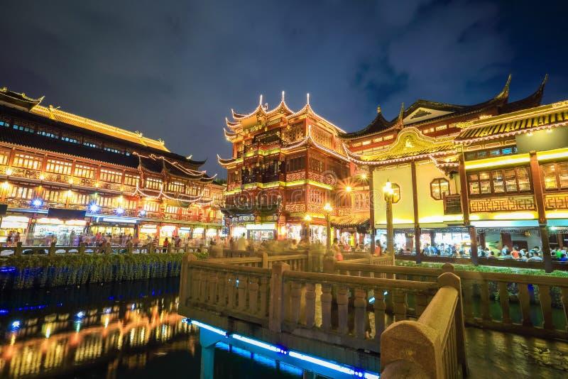Jardín yuyuan hermoso de Shangai en la noche fotografía de archivo libre de regalías