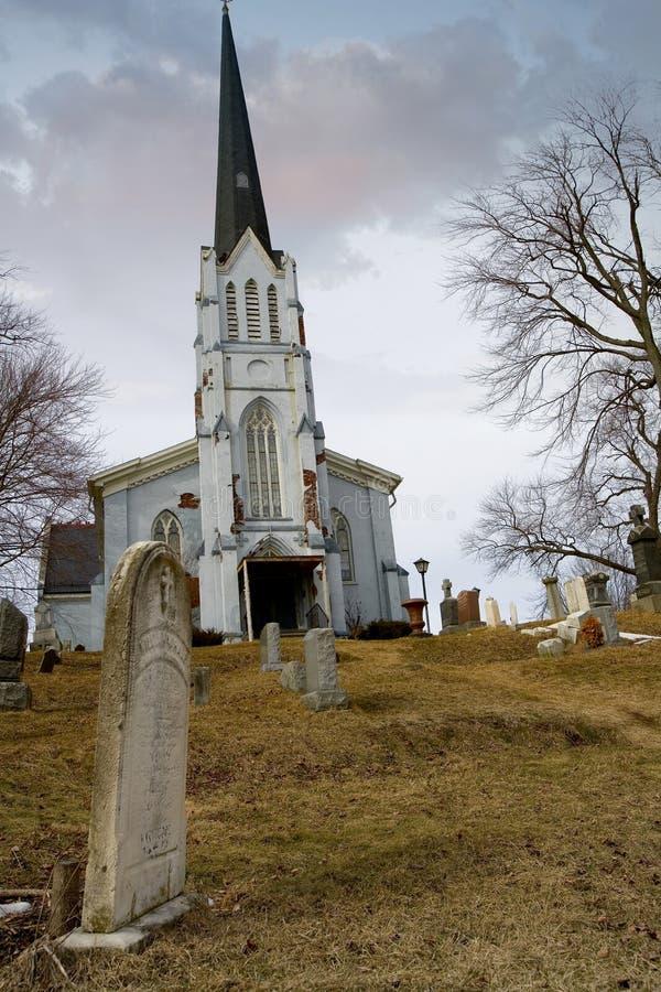 Jarda da sepultura da igreja imagens de stock