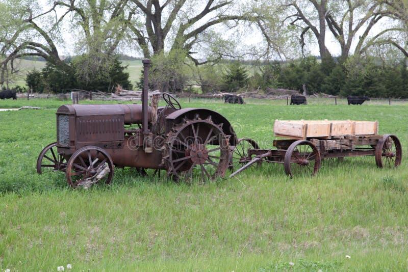 Jarda de exploração agrícola rural imagens de stock