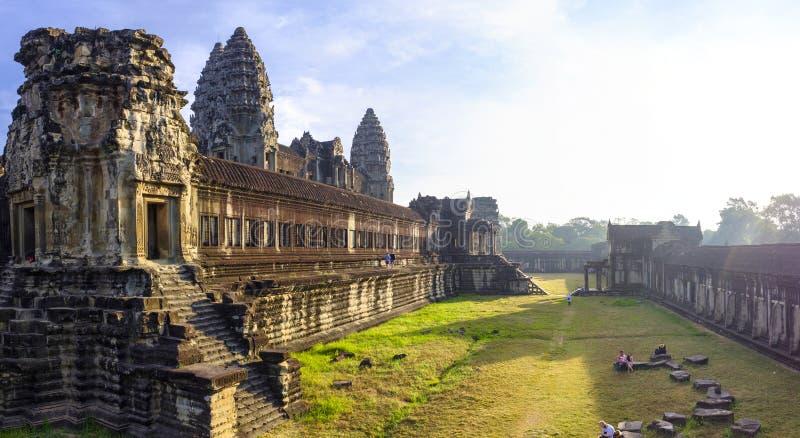Jarda interna no Angkor Wat imagens de stock
