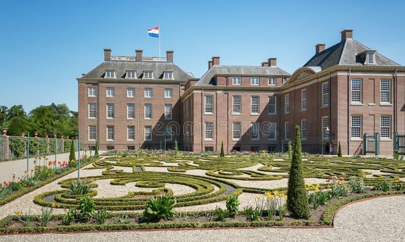 Jardim barroco holandês de Loo Palace em Apeldoorn imagem de stock