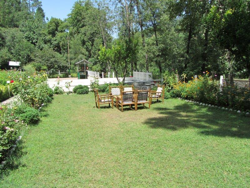 Jardim branco do palácio foto de stock