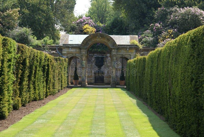 Jardim, castelo de Hever, Kent, Inglaterra fotografia de stock