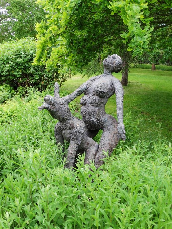 Jardim da escultura na casa de campo de Anne Hathaway fotografia de stock royalty free