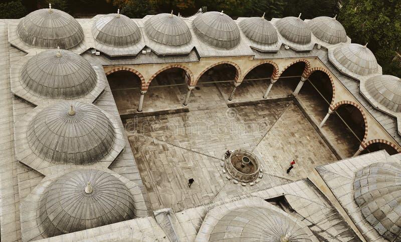 Jardim da mesquita de Edirne Selimiye em Turquia A mesquita foi comissão por Sultan Selim II, e construída pelo arquiteto Mimar S fotografia de stock royalty free