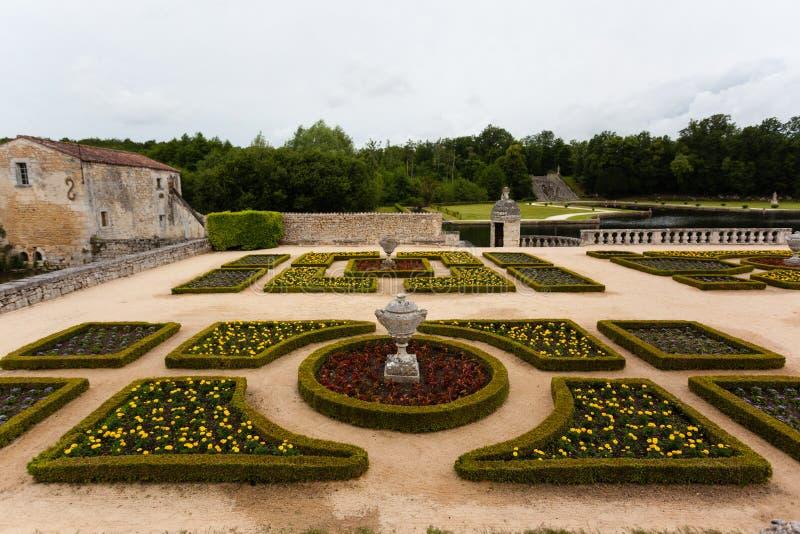 Jardim de Frech no castelo de La Roche Courbon fotos de stock royalty free