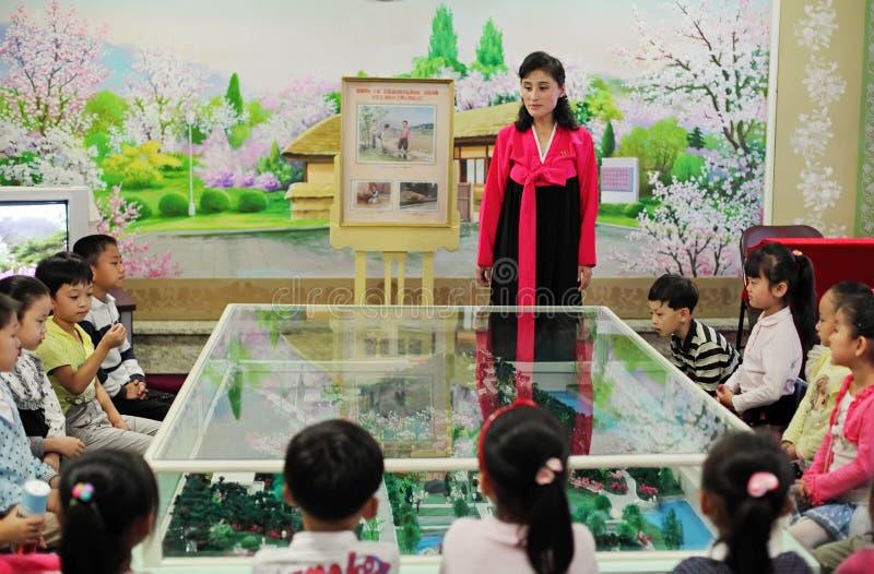 Jardim de infância norte-coreano 2013 imagens de stock