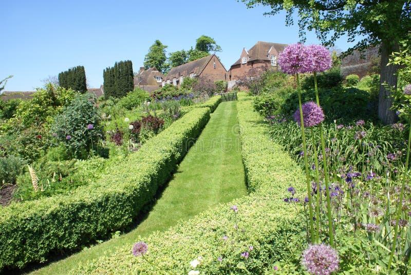 Jardim de Leeds Castle em Inglaterra fotos de stock