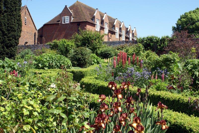 Jardim de Leeds Castle em Inglaterra imagens de stock