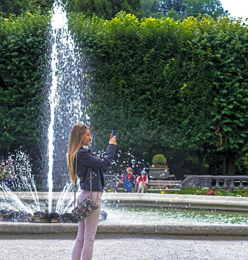 Jardim de Mirabell perto do castelo de Mirabell Salzburg Áustria imagem de stock royalty free
