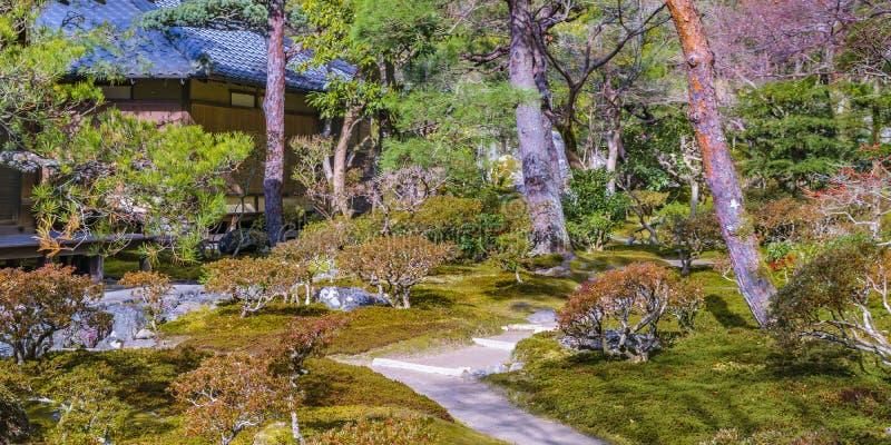 Jardim de prata do pavilhão de Ginkakuji, Kyoto, Japão foto de stock royalty free