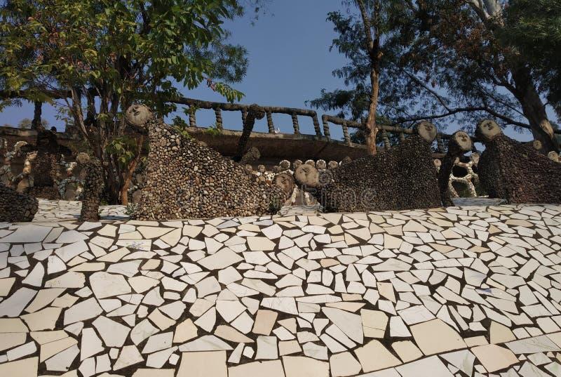 Jardim de rocha, museu da boneca, Chandigarh, Índia imagens de stock royalty free