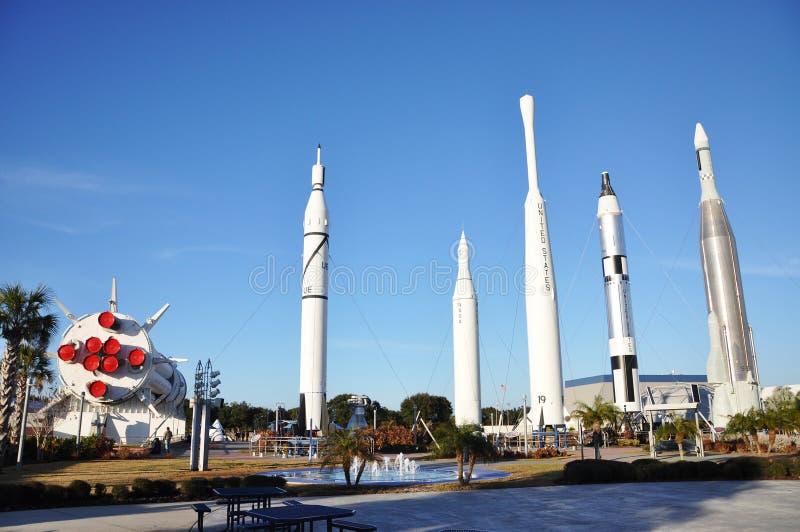 Jardim de Rocket no Centro Espacial Kennedy fotografia de stock