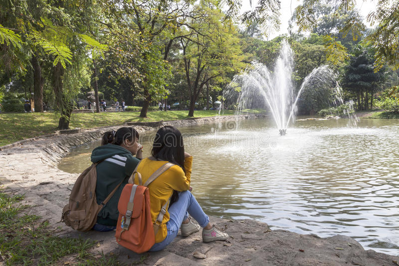 Jardim do jardim zoológico na cidade de Ho Chi Minh fotografia de stock