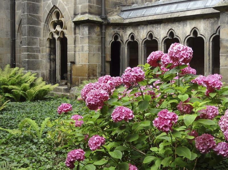 Jardim do monastério imagens de stock