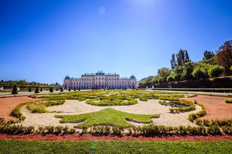 Jardim do palácio do Belvedere em Viena, Áustria imagem de stock