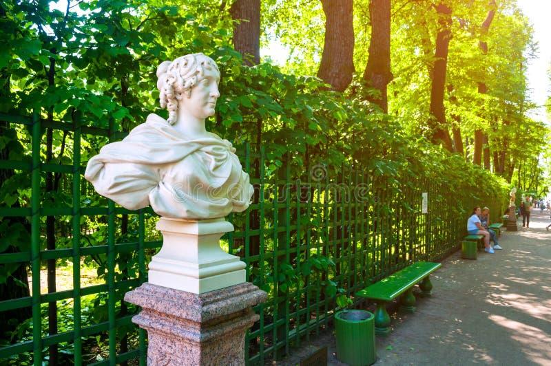 Jardim do verão, St Petersburg, Rússia Kurfursten de Brandemburgo - esposa de Frederick I, rei de Prússia imagens de stock royalty free