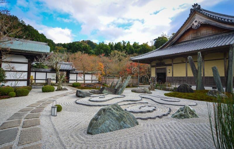 Jardim do zen no templo de Enkoji em Kyoto, Japão imagem de stock