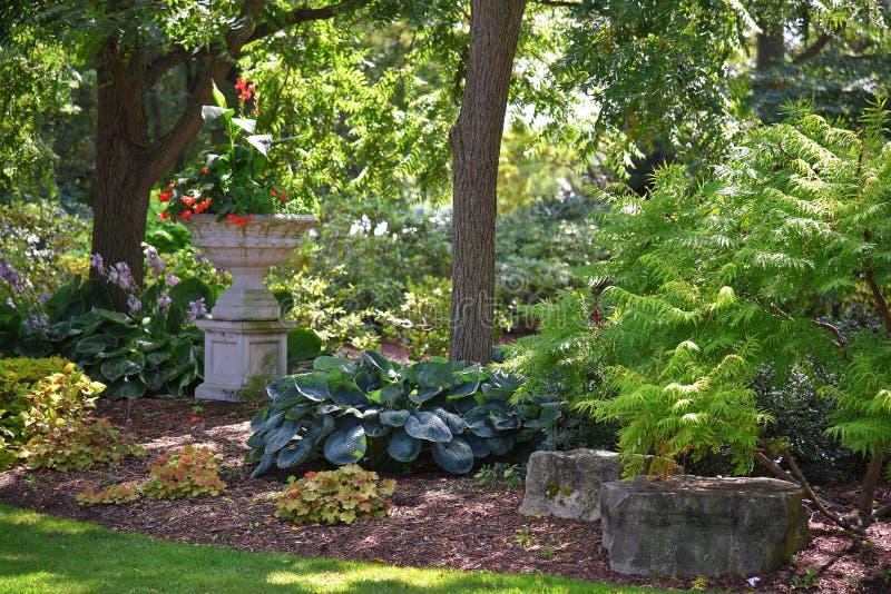 Jardim elegante de Publc em Amherstburg, Ontário, Canadá foto de stock royalty free