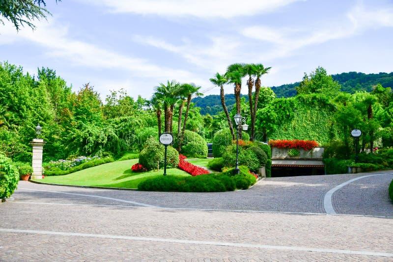 Jardim em Stresa no lago Maggiore, Itália fotografia de stock
