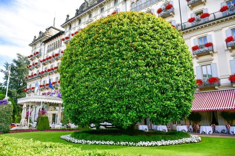Jardim em Stresa no lago Maggiore, Itália imagens de stock royalty free