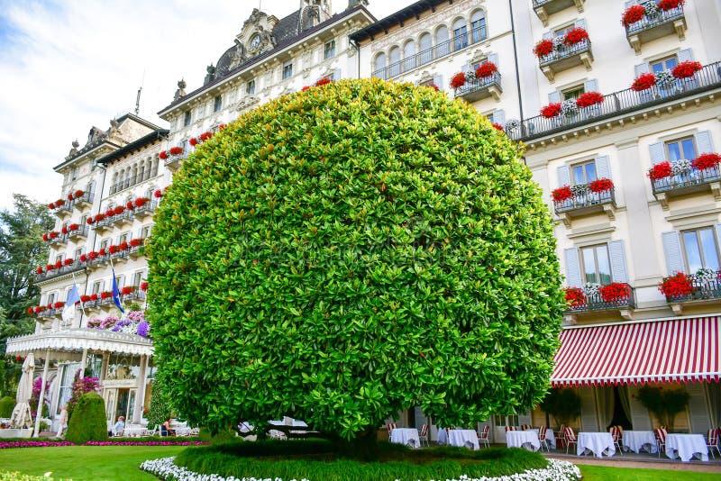 Jardim em Stresa no lago Maggiore, Itália imagem de stock