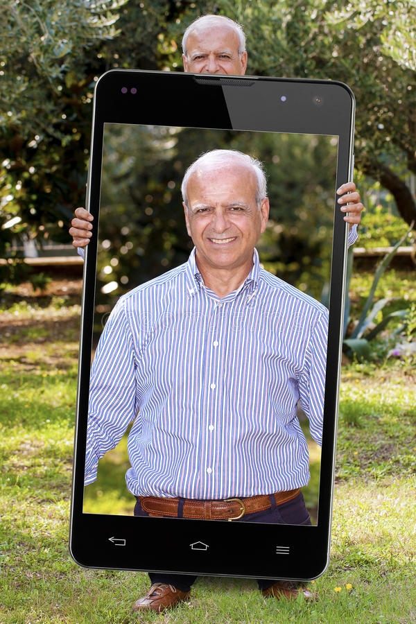 Jardim grande superior do pensionista de Selfie Smartphone