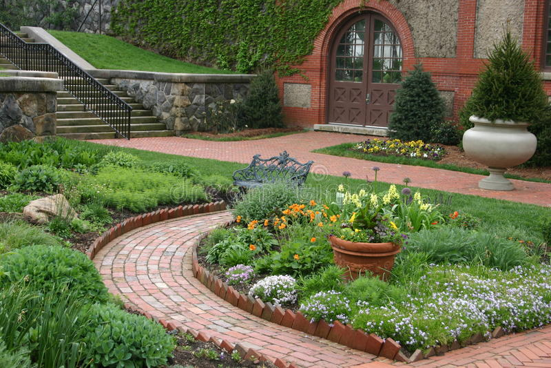 Jardim inglês bonito foto de stock royalty free