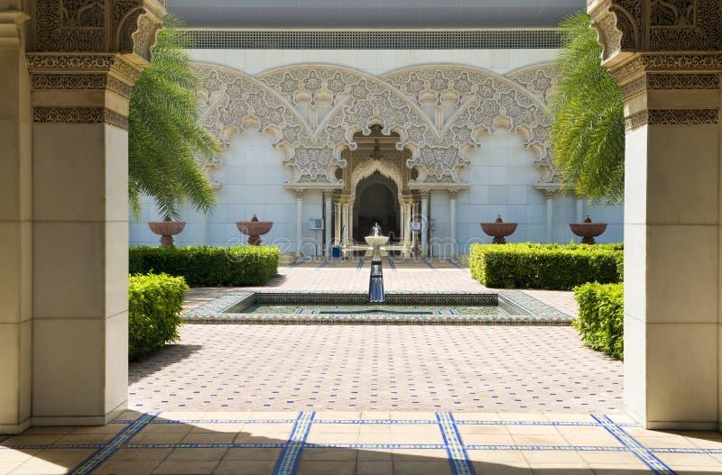 Jardim interno da arquitetura marroquina fotos de stock royalty free
