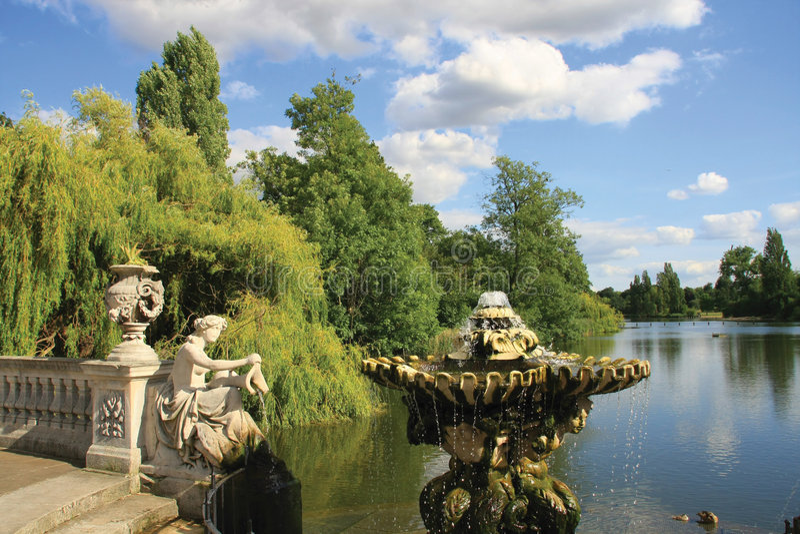 Jardim italiano em jardins de Kensington imagem de stock royalty free