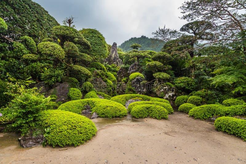 Jardim japonês bonito no distrito do samurai de Chiran em Kagoshima, Japão fotos de stock