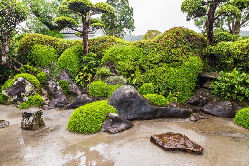 Jardim japonês bonito no distrito do samurai de Chiran em Kagoshima, Japão fotografia de stock royalty free