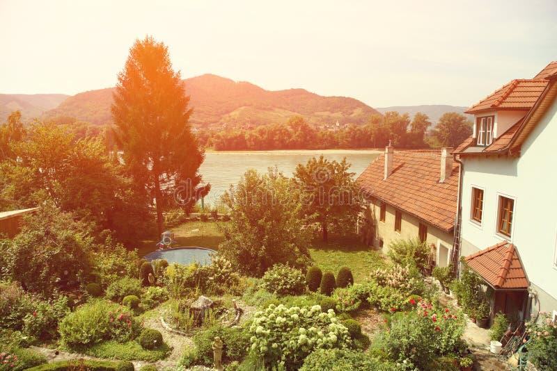 Jardim luxúria rústico fotografia de stock royalty free