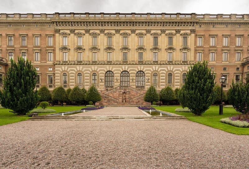 Jardim na frente de Royal Palace, Éstocolmo imagens de stock royalty free