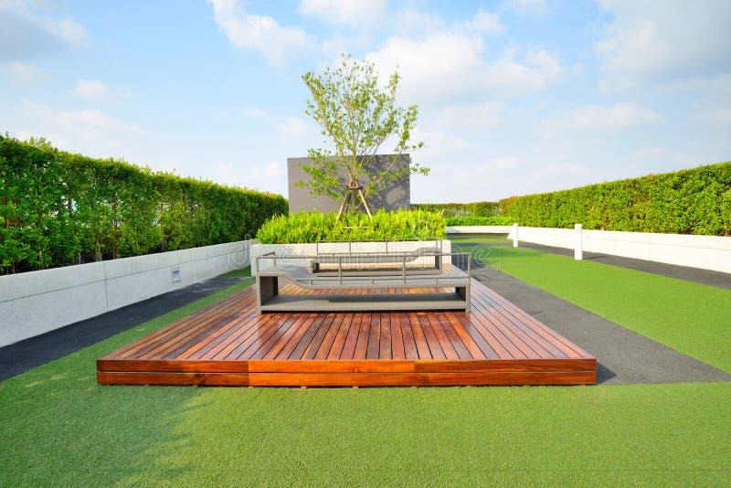 Jardim no telhado imagens de stock