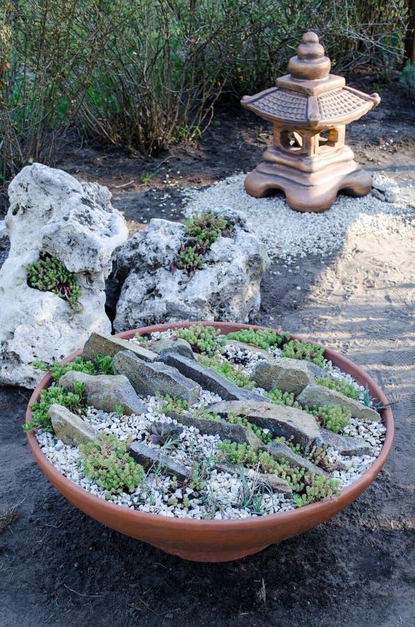 Jardim oriental pequeno para relaxar E imagem de stock royalty free