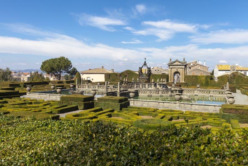 Jardim quadrado da fonte e do Mannerist Lazio, Itália fotografia de stock royalty free